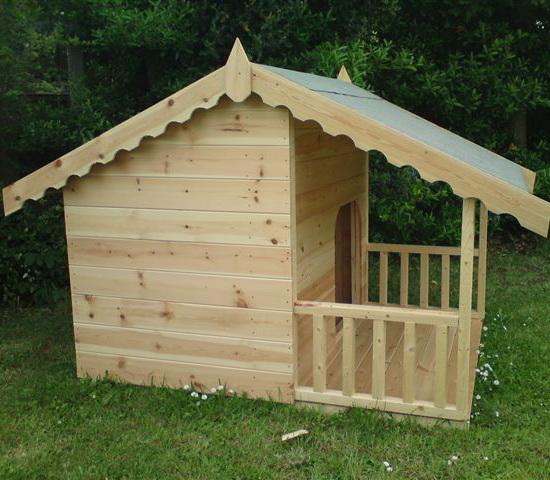 будка-домик для одной собаки сбоку